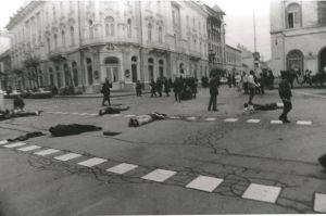 Protesters in Cluj-Napoca on the morning of 21 December. This photo was taken by Răzvan Rotta after security forces opened fire.